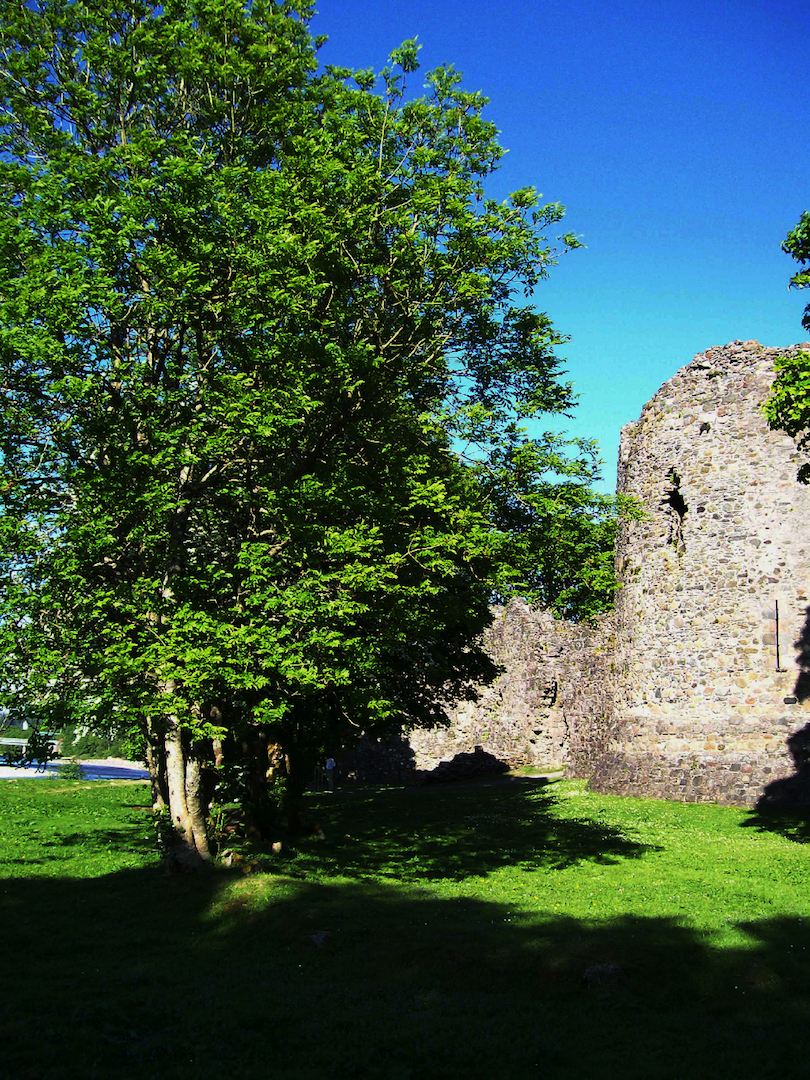 old_inverlochy_castle_1